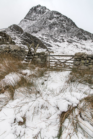 tryfan winter photo snowdonia north wales