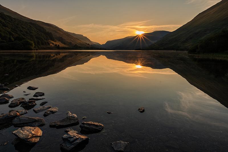 Tal y llyn snowdonia sunrise photos north wales dolgellau lake reflections