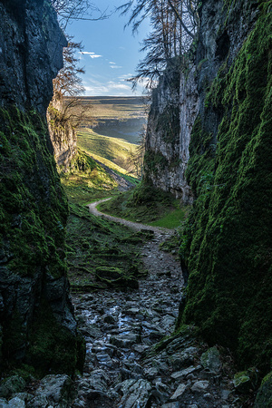 Trow gill ingleborough summit walk photo yorkshire dales