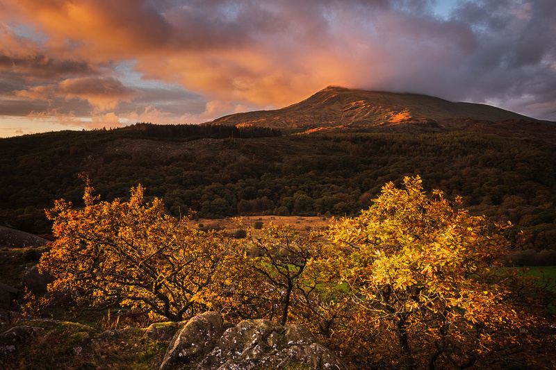 moel siabod sunrise snowdonia north wales autumn mountain