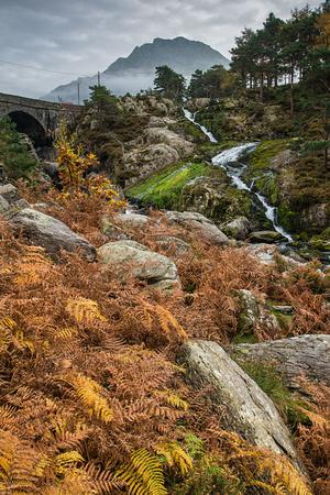 ogwen falls photo cwm idwal snwodonia autumn colour waterfall