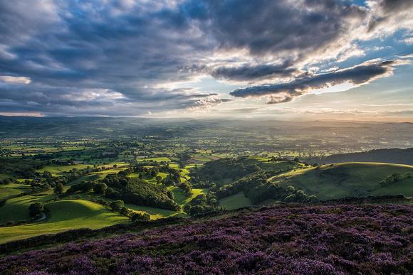 moel arthur heather vale of clwyd lightbeams north east wales clwydian hills photos