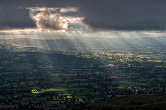 vale of clwyd sunburst photo moel famau north wales clwydian hills