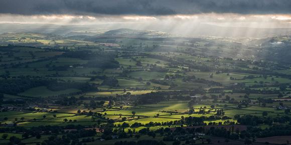 Moel Famau photo vale of clwyd sunburst clwydian hills