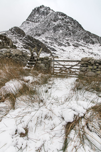 tryfan winter photo snowdonia north wales