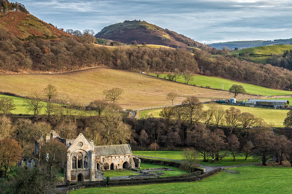 castell dinas bran photo valle crucis abbey llangollen vale of clwyd photographs